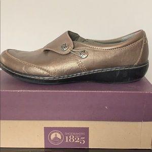 Clarks Metallic Bronze Leather Loafers Sz 9.5